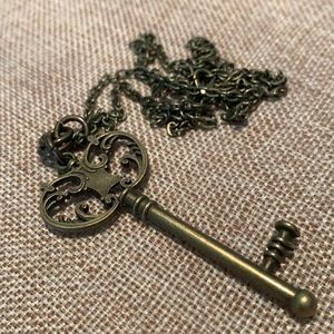 "Skeleton key Pendant Necklace 30"" Chain NWOT"